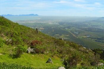 Sir Lowry\'s Pass, crosses the Hottentots-Holland mountains, Cape Town\'s Helderberg Region, Western Cape